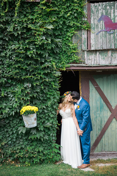 ravine vineyard niagara wedding photography 089